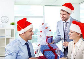 Подарки руководителю на Новый год: советы по выбору