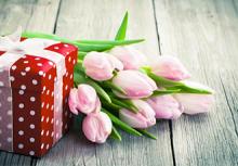 Оригинальные подарки на 8 марта женщинам