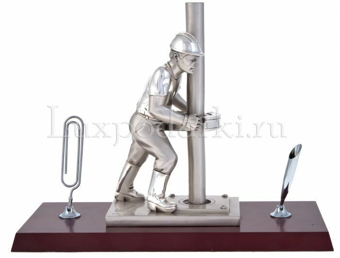"Скульптура  Linea Argenti ""Нефтяник""- 0"