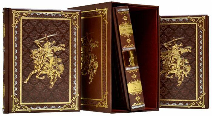 """Книги в кожаном переплете """"Великие полководцы"""" (3 тома, в футляре)- 2"""
