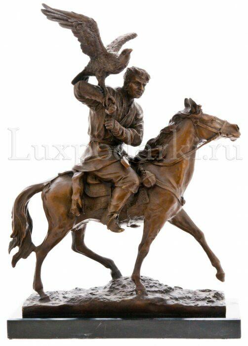 """Скульптура бронзовая """"Охота на коне с беркутом""""- 1"""