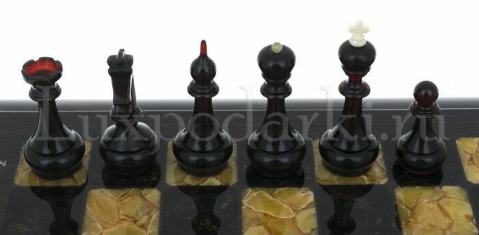 Шахматный ларец из янтаря (морёный дуб)- 2