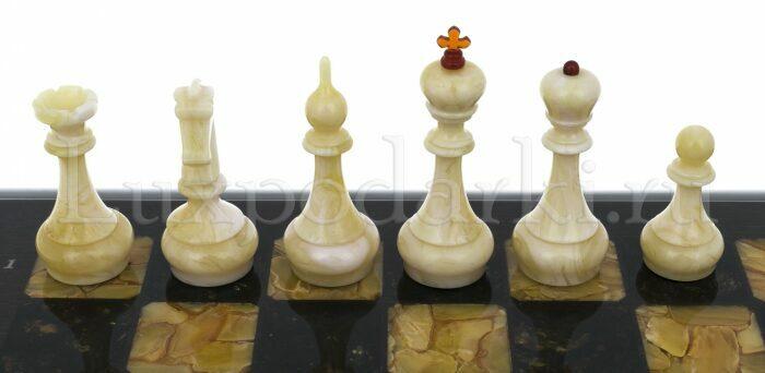 Шахматный ларец из янтаря (морёный дуб)- 5
