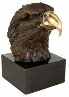 """Скульптура """"Голова орла"""""""