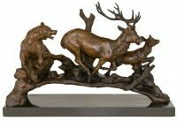 """Скульптура бронзовая """"Медведь и олени"""""""