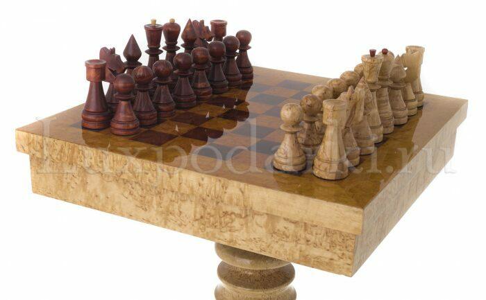 Стол шахматный с фигурами из карельской березы- 2
