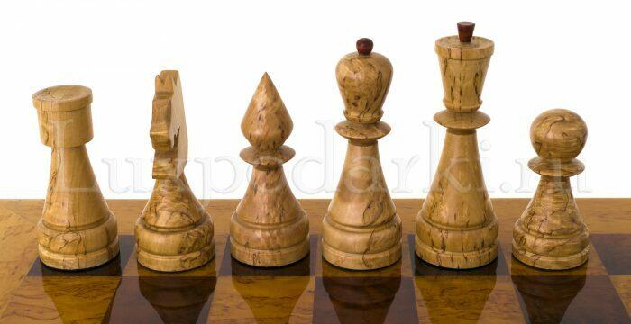 Стол шахматный с фигурами из карельской березы- 3
