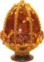 Яйцо пасхальное из янтаря