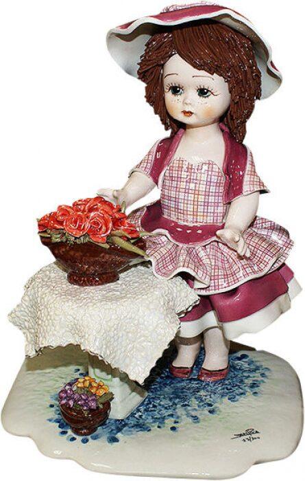 "Статутэка  Zampiva ""Кукла стоящая у стола с цветами"" - 0"