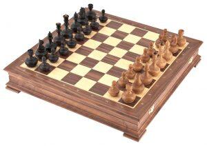 """Шахматы """"Непобедимый"""" самшит-орех"""
