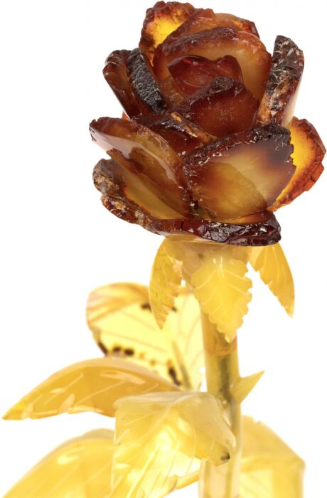 Янтарная роза в вазе- 4