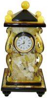 Янтарные часы настольные с вензелями
