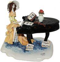 "Статуэтка  Zampiva ""Дама и пианино"""
