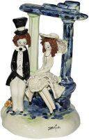 """Скульптура  Zampiva """"Пара сидящие под аркой"""""""
