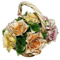 Декоративная корзинка с разноцветными розами Artigiano Capodimonte