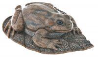"""Скульптура из камня """"Лягушка на листе"""" (кальцит)"""