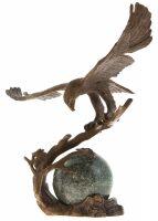 """Скульптурная композиция """"Орёл на шаре"""""""