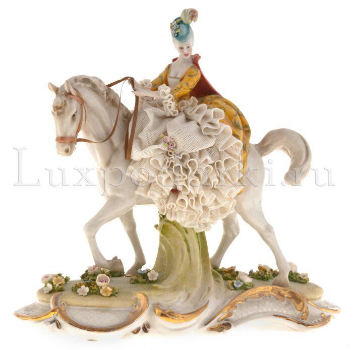"""Статуэтка  Porcellane Principe """"Дама на коне"""" - 0"""