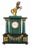 Каминные часы с конем