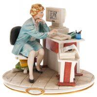 """Статуэтка  Porcellane Principe """"Проектировщица"""""""