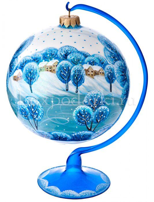 """Ёлочный шар """"Катание на коньках"""" на подставке- 1"""