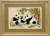 """Картина на шёлке """"Панды на лужайке"""""""